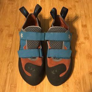 Evolve Climbing Shoes